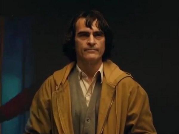 DC lay lai tinh than nho dung mao Joker cua Joaquin Phoenix hinh anh 1