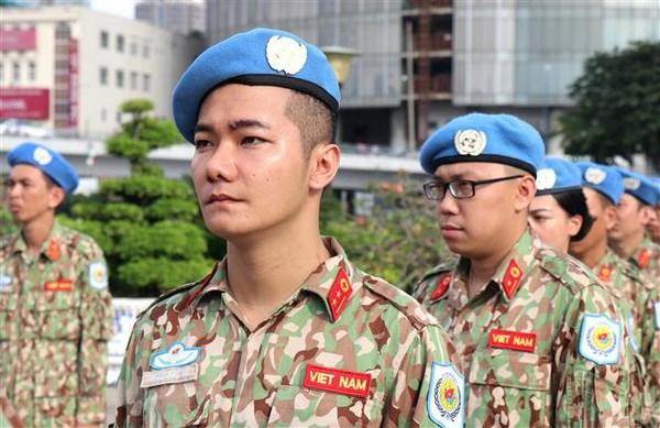 Luc luong gin giu hoa binh Viet Nam: Linh Cu Ho voi ban be quoc te hinh anh 3