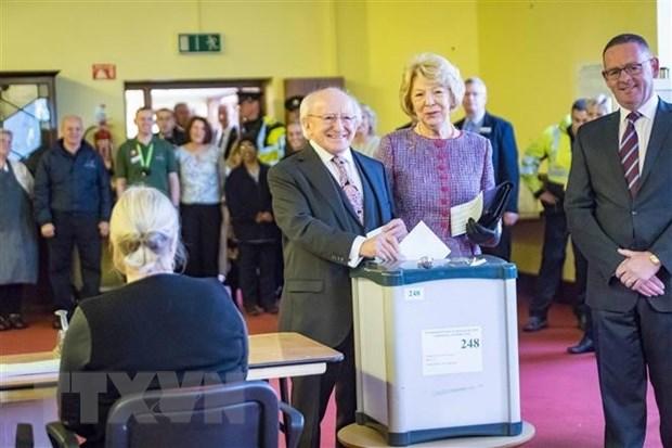 Ireland: Tong thong 77 tuoi Michael Higgins tai dac cu nhiem ky thu 2 hinh anh 1