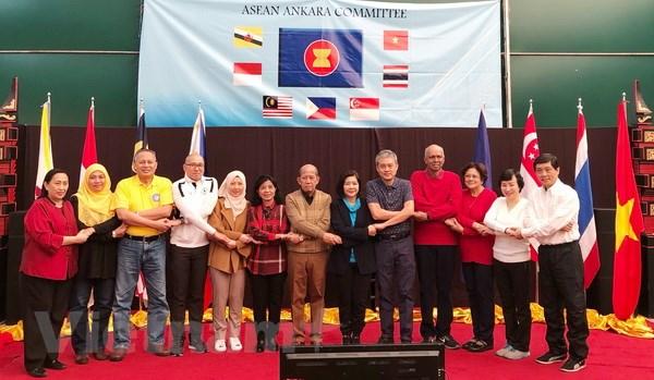 Quang ba van hoa Viet Nam trong Cong dong ASEAN tai Ankara hinh anh 1