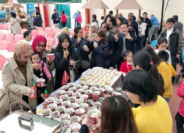 Quang ba van hoa Viet Nam trong Cong dong ASEAN tai Ankara hinh anh 3