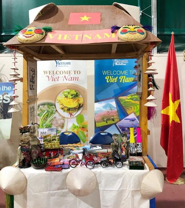 Quang ba van hoa Viet Nam trong Cong dong ASEAN tai Ankara hinh anh 4