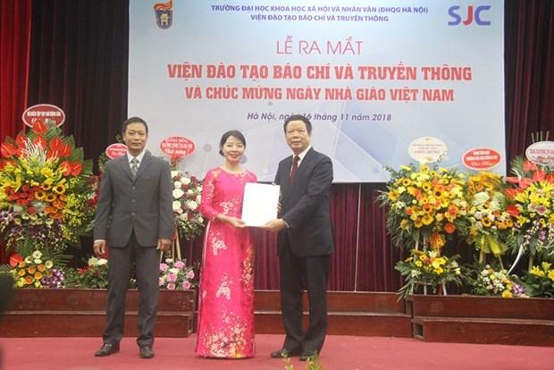 Ra mat Vien Dao tao Bao chi va Truyen thong thuoc Dai hoc KHXH&NV hinh anh 1
