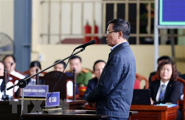 Vu danh bac nghin ty: Bi cao Phan Van Vinh len buc xet hoi hinh anh 1