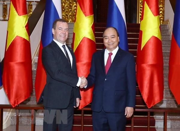 Thu tuong Nguyen Xuan Phuc hoi dam voi Thu tuong Nga Medvedev hinh anh 1