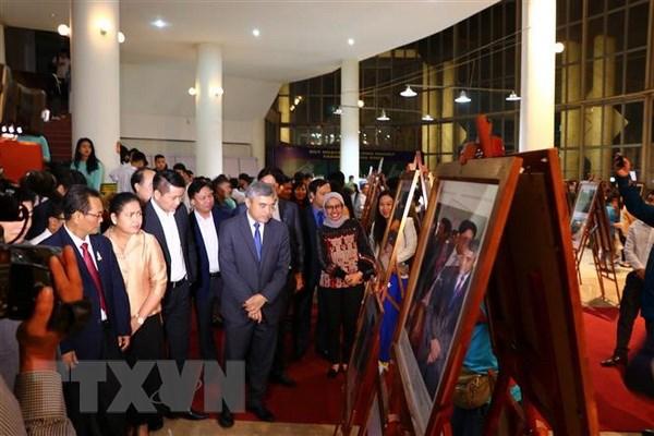 Trien lam Anh va Phim Phong su-tai lieu trong cong dong ASEAN hinh anh 1