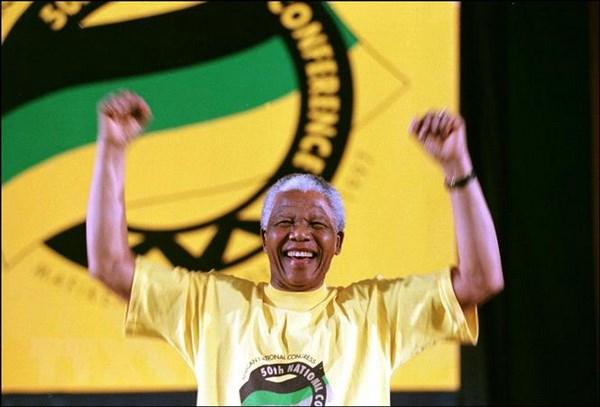 Le hoi Cong dan toan cau ton vinh cuoc doi Nelson Mandela hinh anh 1
