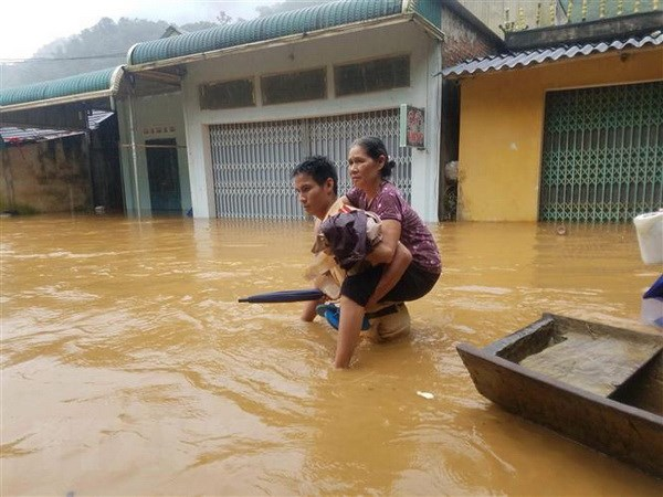 Quang Ngai: Ho chua nuoc Nui Ngang xa lu dieu tiet de dam bao an toan hinh anh 1
