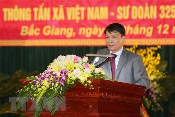 Trung tam Truyen hinh Thong tan ket nghia voi Su doan 325 hinh anh 2
