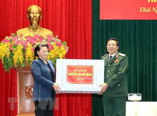 Chu tich Quoc hoi Nguyen Thi Kim Ngan tham Bo Tu lenh Quan khu 1 hinh anh 3