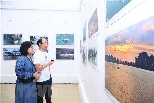 Khai mac trien lam anh 'An tuong Viet Nam-Trung Quoc 2018' hinh anh 3