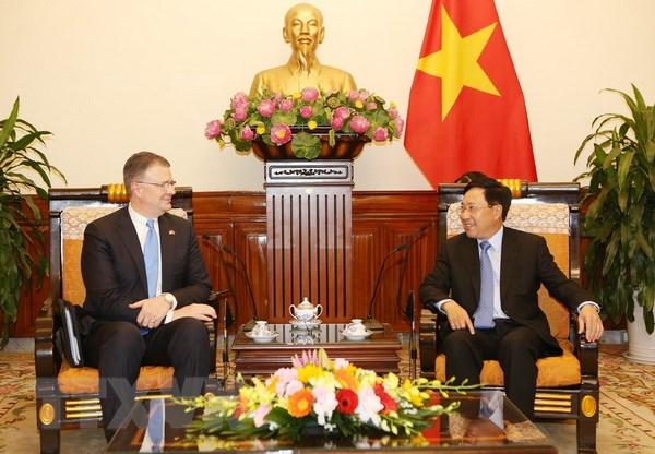 Pho Thu tuong Pham Binh Minh tiep Dai su Hoa Ky Daniel Kritenbrink hinh anh 1