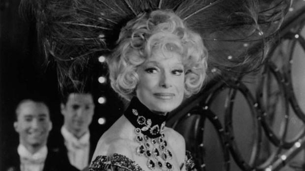 Huyen thoai san khau Broadway Carol Channing qua doi o tuoi 97 hinh anh 1
