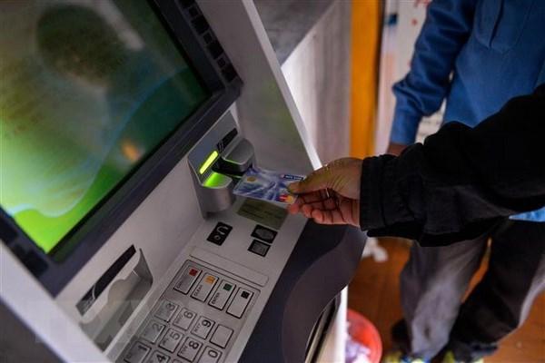 Hacker tan cong, rut lien tiep hang chuc trieu dong tu tai khoan ATM hinh anh 1