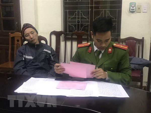 Quang Ninh: Bat khan cap doi tuong dung sung cuop ngan hang hinh anh 1