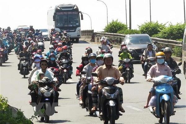 Nguoi dan bat dau do ve Thanh pho Ho Chi Minh sau ky nghi Tet hinh anh 2