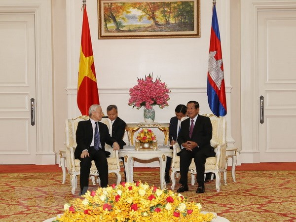 Viet Nam luon danh uu tien cao cho cung co quan he voi Campuchia hinh anh 1