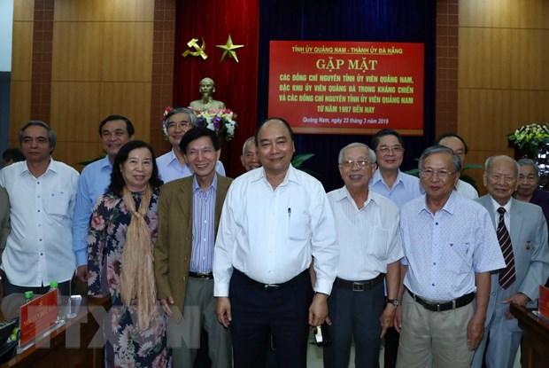 Thu tuong gap mat nguyen can bo lanh dao Quang Nam, Da Nang hinh anh 1