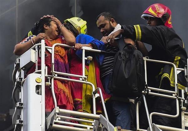 Lai xay ra chay lon o Bangladesh, hang tram quay hang bi thieu rui hinh anh 1