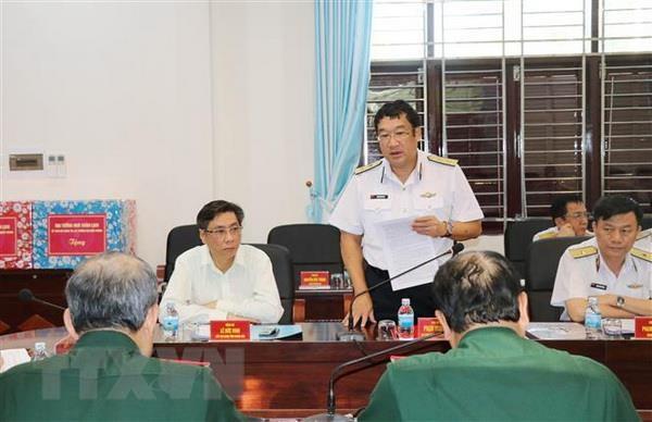 Dai tuong Ngo Xuan Lich lam viec tai Vung 4 Hai quan hinh anh 2