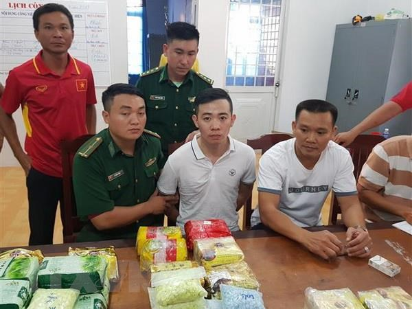 Bat giu vu van chuyen 26,6kg ma tuy tu Campuchia ve Viet Nam hinh anh 2