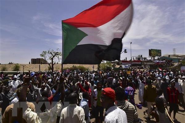 Hoi dong quan su Sudan ra lenh tich bien cac quy ''dang ngo'' hinh anh 1