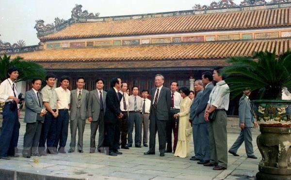 Dai tuong Le Duc Anh - Nguoi con uu tu cua que huong Thua Thien-Hue hinh anh 1