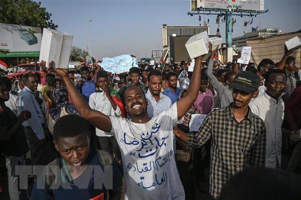 AU gia han thoi gian de quan doi Sudan chuyen giao quyen luc hinh anh 1