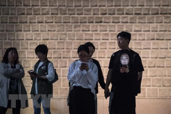 Han Quoc canh bao tinh trang gioi tre nghien dien thoai va Internet hinh anh 1