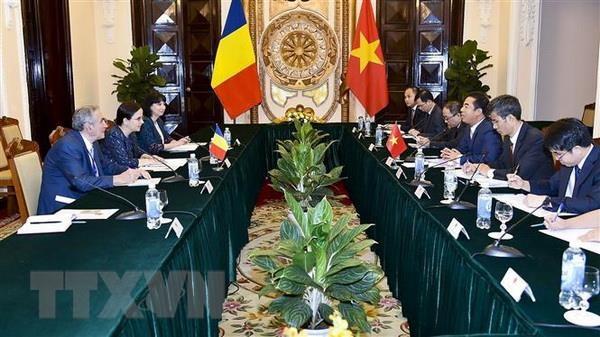 Tham van chinh tri giua hai nuoc Viet Nam-Romania hinh anh 2
