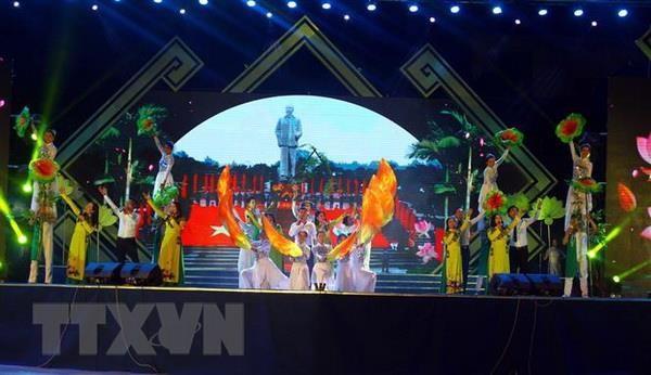 Khai mac Le hoi Lang Sen nam 2019 mung sinh nhat Bac hinh anh 2