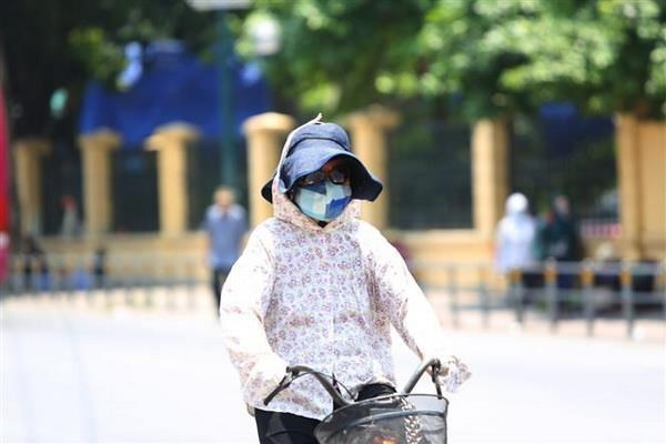 Dem 17/5, Ha Noi khong mua, Trung Bo va Nam Bo co mua dong vai noi hinh anh 1