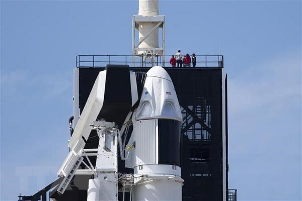 SpaceX phong 60 ve tinh cung cap Internet toc do cao cho toan the gioi hinh anh 1