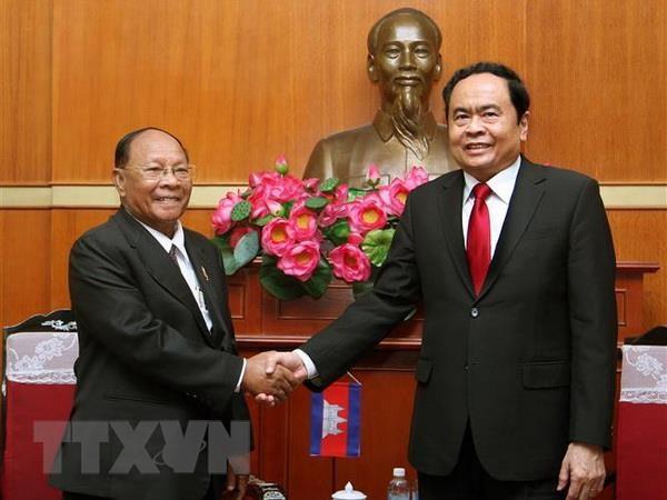 Cung co quan he huu nghi, lang gieng tot dep giua Viet Nam-Campuchia hinh anh 1