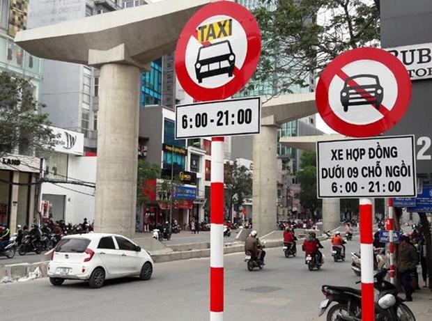 Ha Noi cong bo 11 tuyen pho cam taxi va xe tai hoat dong gio cao diem hinh anh 1