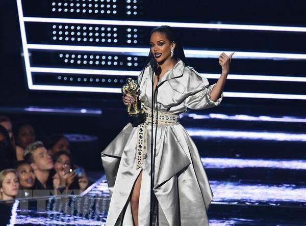 Rihanna tro thanh nu ca sy giau co nhat hanh tinh hinh anh 1