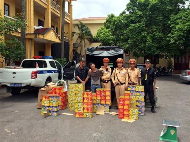 Bat doi tuong su dung xe tai van chuyen gan 300kg phao hinh anh 1