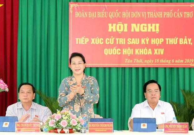Chu tich Quoc hoi Nguyen Thi Kim Ngan tiep xuc cu tri huyen Phong Dien hinh anh 1