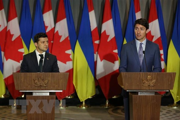 Ukraine-Canada dat thoa thuan ve thuong mai va quan su hinh anh 1