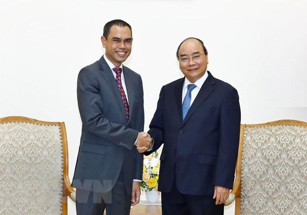 Thu tuong Nguyen Xuan Phuc tiep Dai su Malaysia chao tu biet hinh anh 1