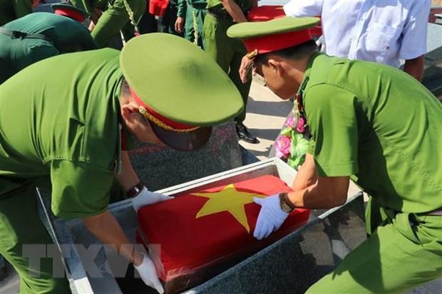 Truy dieu va an tang hai cot liet sy hy sinh o Campuchia hinh anh 1