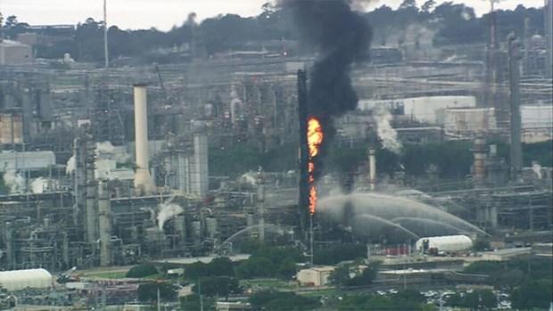 My: Chay no tai mot nha may cua ExxonMobil, it nhat 66 nguoi bi thuong hinh anh 1