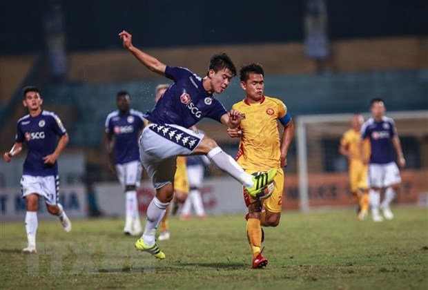 Thang 5 sao truoc Thanh Hoa, Ha Noi FC bo xa TP.HCM 5 diem hinh anh 1