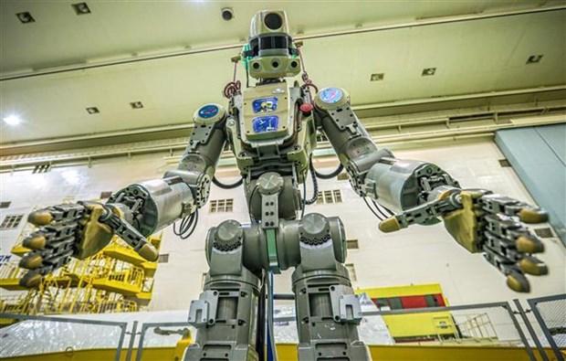 Nga lan dau tien phong robot mang hinh nguoi len ISS hinh anh 2