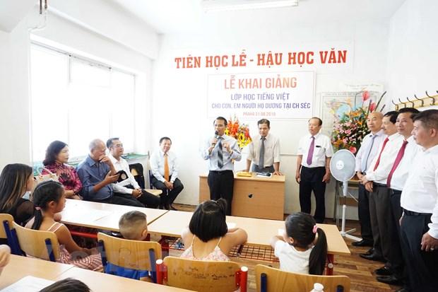 Lan toa phong trao hoc tieng Viet tai Cong hoa Sec hinh anh 1