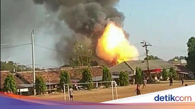 No kho dan cua canh sat Indonesia, nguoi dan voi vang so tan hinh anh 1