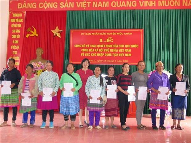 Gan 300 cong dan Lao cu tru tai Son La se duoc nhap quoc tich Viet Nam hinh anh 1