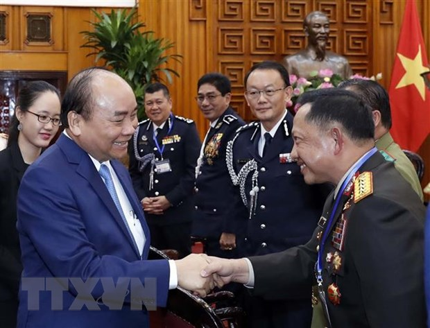 Thu tuong tiep cac Truong doan du Hoi nghi Tu lenh Canh sat ASEAN hinh anh 2