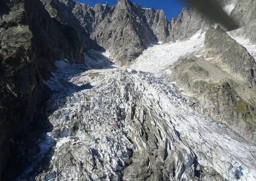 Canh bao nguy co do sup cua nui bang cao nhat chau Au Mont Blanc hinh anh 1