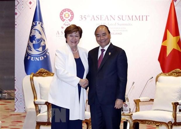Thu tuong Nguyen Xuan Phuc tiep xuc ben le Hoi nghi Cap cao ASEAN 35 hinh anh 3